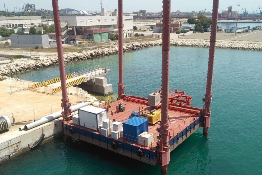 Self-lifting floating platform Sep-One
