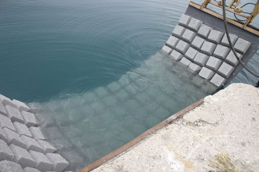 Maritime construction works and seabed stabilization